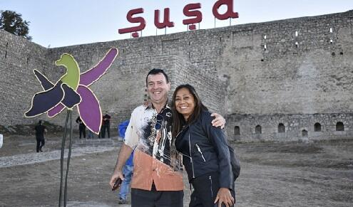 Foreign travelers in Shusha -