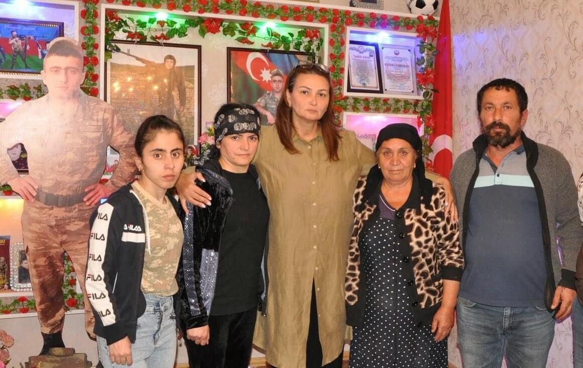 Paşayeva şəhid ailələrini ziyarət etdi - Foto