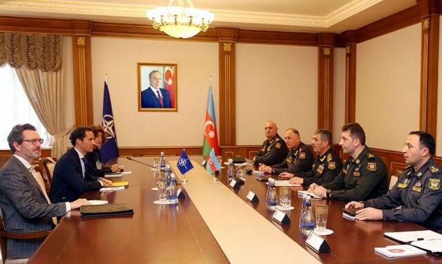Zakir Həsənov NATO rəsmisi ilə görüşdü
