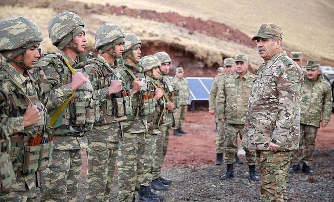 Гасанов посетил боевые позиции в Кяльбаджаре и Лачине