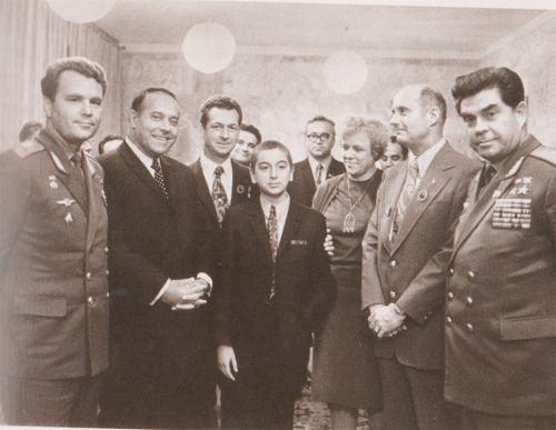 Heydər və İlham Əliyevlər kosmonavtlarla. 1973 - Foto