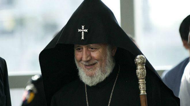 II Qareginin silahlı dəstəsi: katolikos kimə qarşı vuruşur?