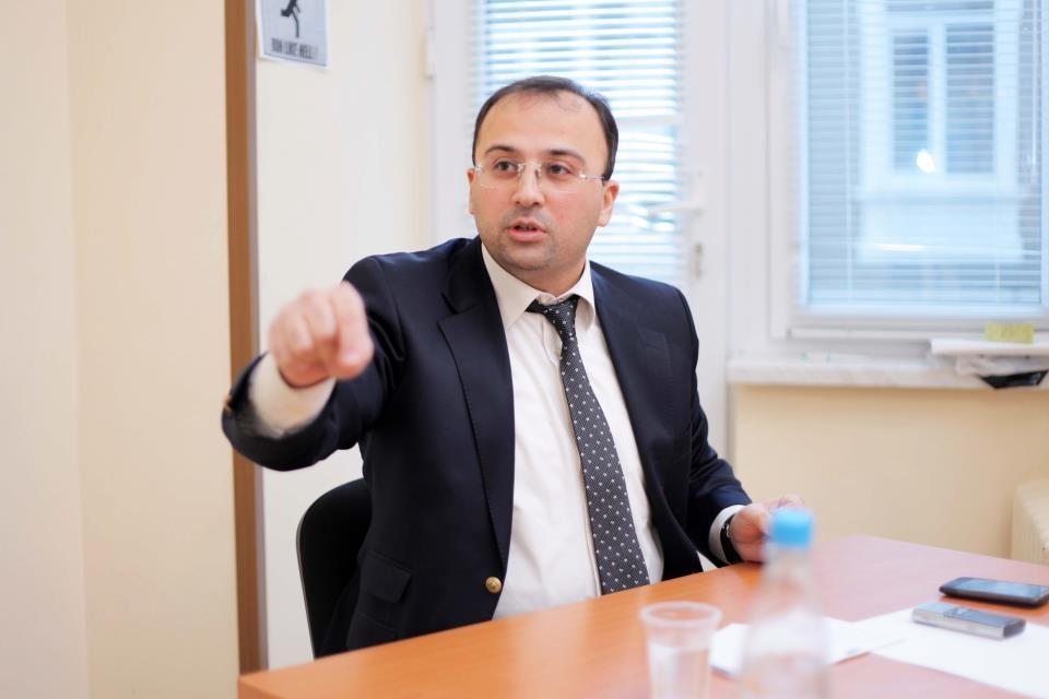 """Azərbaycanca Quranda """"18+"""" təhriflər var... – İlahiyyatçı"""