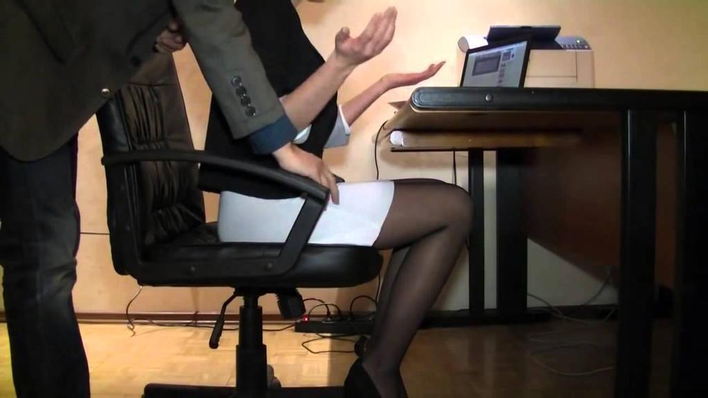 что холостяцкой босс ебет свою секретаршу в чулках в жопу съемками рекламной