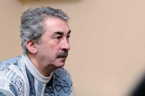 Tanınmış aktyorun qardaşı və bacısı koronadan öldü