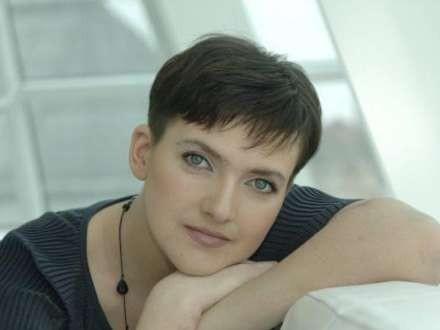 Savçenko canlı efirdə oxudu - Video