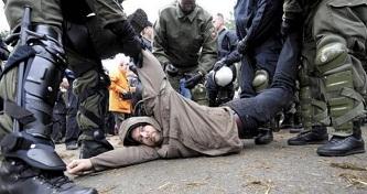 Berlində kütləvi aksiyalar: 29 polis yaralandı