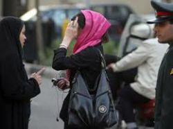 Tehranda qadınlar hicabsız dolaşır - İnanılmaz