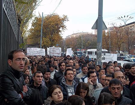 Ermənistan qaynayır: İcevandan sonra yeni etiraz burada olacaq