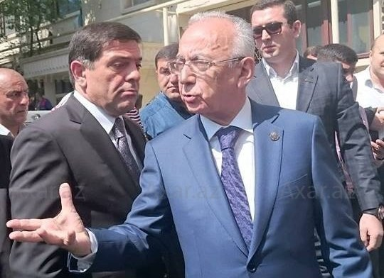 Abutalıbov əsəbiləşdi, 200 protokolu ləğv etdirdi